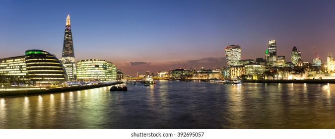 Panoramic view over London from the City Hall to the City