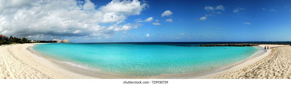The panoramic view of Paradise Island beach (Bahamas).