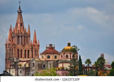 Panoramic view of the Parroquia de San Miguel Arcángel and the Cultural Center (Centro Cultural Ignacio Ramirez) in the historic center of San Miguel de Allende, Guanajuato Mexico.