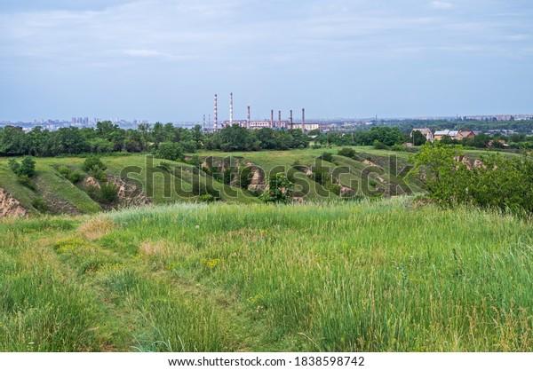 panoramic-view-ravine-suburban-area-600w