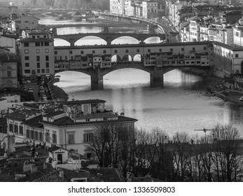 Panoramic view of the river Arno with the Ponte Vechio from a point of view of height