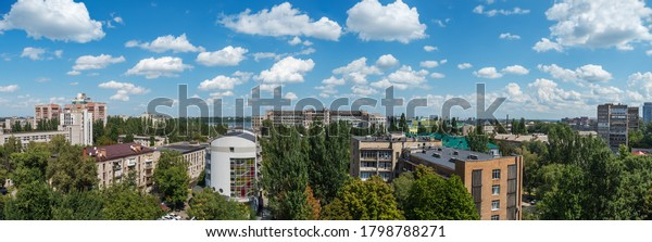panoramic-view-roofs-urban-highrise-600w