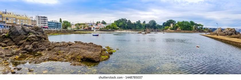 Panoramic view of Santa Cruz village seafront in Oleiros town