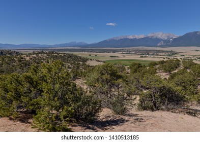 panoramic view of Sawatch range and Arkansas river valley from Collegiate Peaks Overlook (Johnson Village, Chafee County, Colorado)