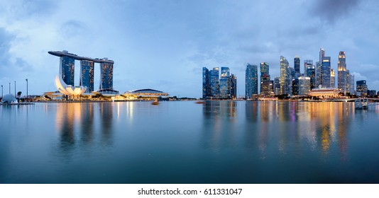 Panoramic View of Singapore Skyline at the Marina Bay at night.
