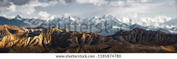 Panoramic view of the snowy mountains in Upper Mustang, Annapurna Nature Reserve, trekking route, Nepal