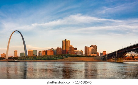 Panoramic view of St Louis with The Gateway Arch and Eads Bridge