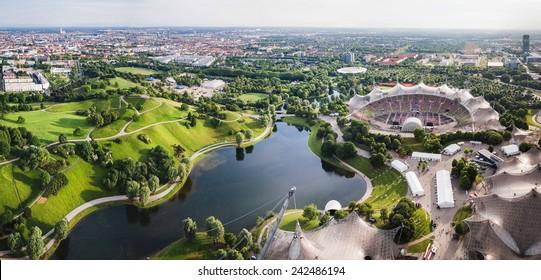 Panoramasicht auf das Stadion der Olympiapark in München, Deutschland