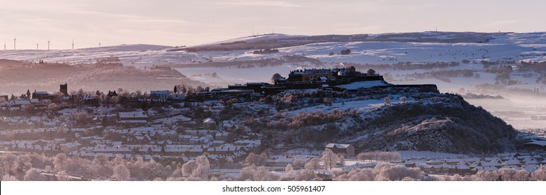 Panoramic view of Stirling Castle wrapped in to snow at winter. Stirling, Stirlingshire, Scotland, UK