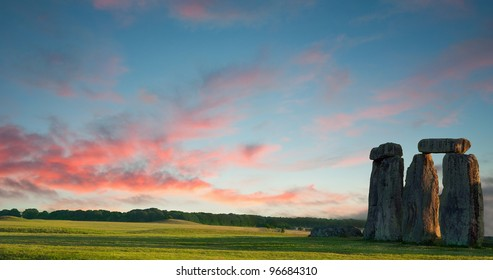 Panoramic view of Stonehenge. Dating back to Neolithic and Bronze Age, it's one of the most famous prehistoric monuments in the world. Image includes a lot of empty space for your text