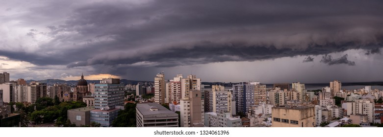 Panoramic view of a storm arriving in Porto Alegre, Brasil