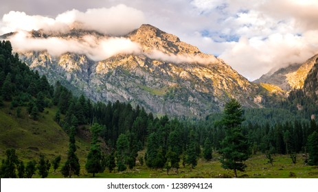 Panoramic view of the sunset on the mountains surrounding Aru Valley in Pahalgam, Kashmir, India