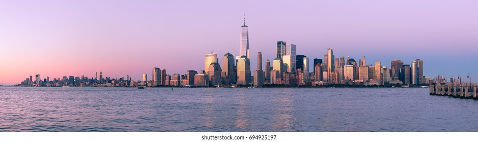Panoramic view of sunset over the New York City Skyline