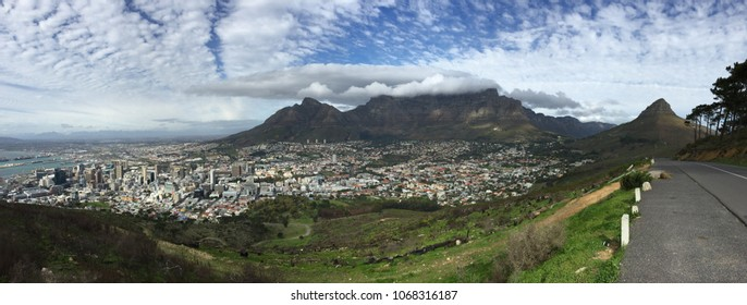 Panoramic view of Table Mountain overlooking Cape Town, South Africa