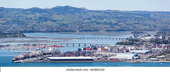 The panoramic view of Tauranga's city port and surrounding area (New Zealand).