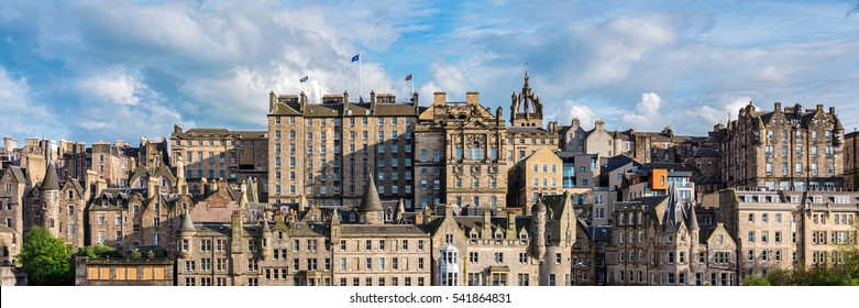 Panoramic view of the traditional architecture Edinburgh's medieval Old Town, part of the UNESCO World Heritage.