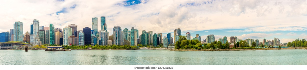 Panoramic view at the Vancouver Downtown from Stanley Park, Canada