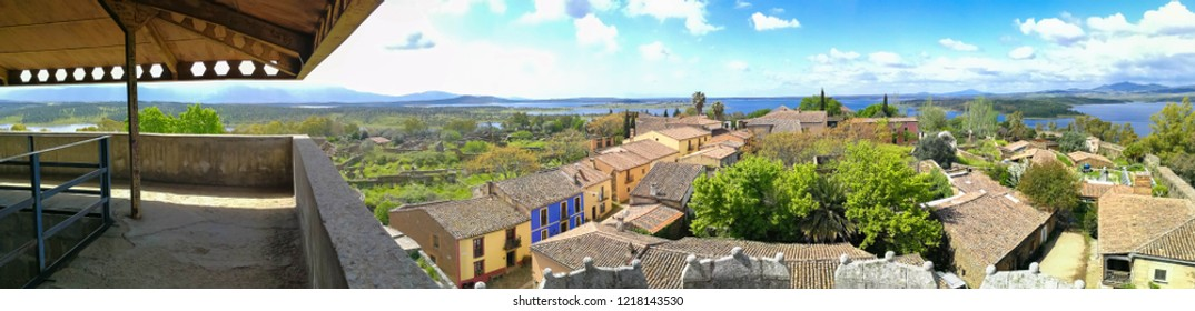 panoramic view of the village o Granadilla fron the medieval torrw