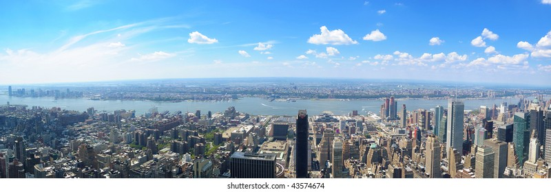 Panoramic view of West Manhattan from the top of the Empire State Building