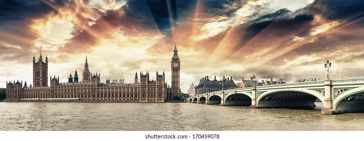 Panoramic view of Westminster Bridge and Houses of Parliament at sunset - London.