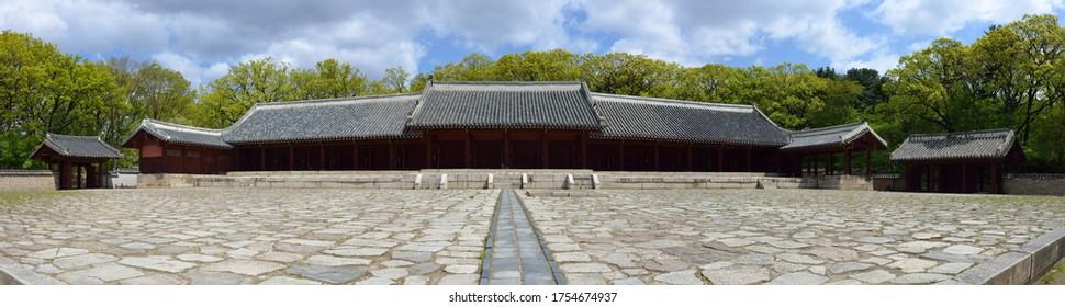 Panoramic view of Yeongnyeongjeon of Jongmyo(Royal Ancestral Shrine) near Jongno-gu, Seoul, South Korea