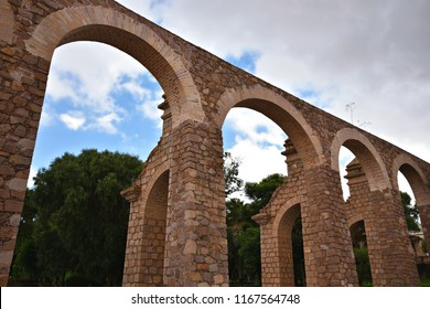 Panoramic view of the Zacatecas Aqueduct with the quarry arches.