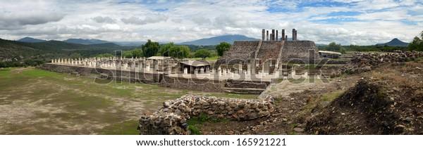 Vistas panorámicas a las antiguas ruinas toltecas de la ciudad de Tula.México.
