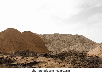 Panoramic views over the sand hills, which have different footprints and tread down the hillside.