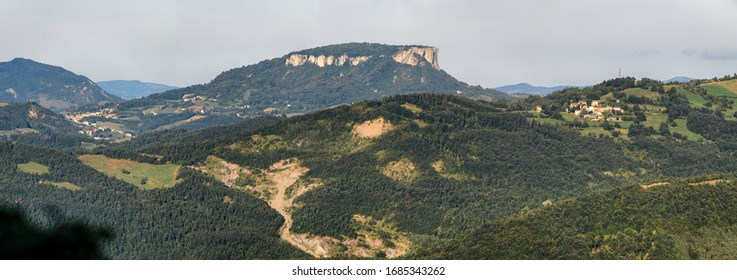 panoramic views of the tuscan and emilian apennine national park.