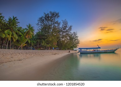 Pantai Cemara is the one of favourite destination in Wakatobi. Clear water, Nice sunset, and Coconut tree are amazing