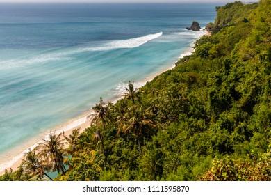 Pantai Suluban (Thomas Beach), Uluwatu, Bali, Indonesia.