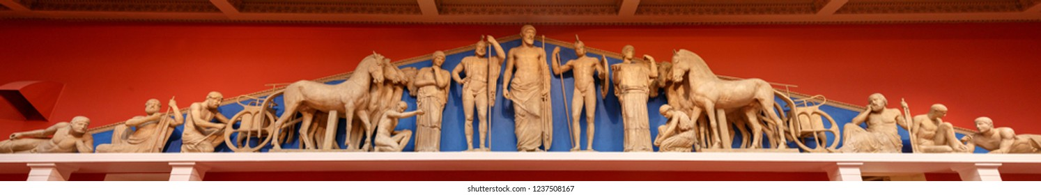 Pantheon statues. Zeus, Athena and other ancient Greek gods
