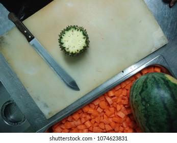 papaya slide and carot slide for salad.