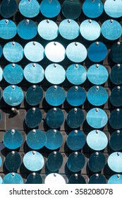 Paper garland of flat roundels