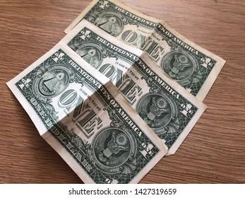 Imágenes, fotos de stock y vectores sobre $1 Bill Border