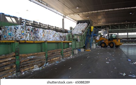 Paper and pulp mill. In this plant all the fibrous raw material is produced by two deâ??inking plants that recycle waste paper. 50% of all the plantâ??s energy requirements  is produced autonomously.