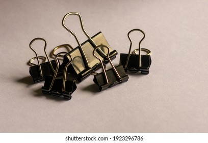 Paperclips on white paper note