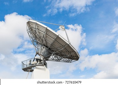 Parabolic satellite antenna dish for wireless radio signal data transfer