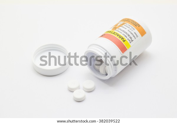Paracetamol on white background