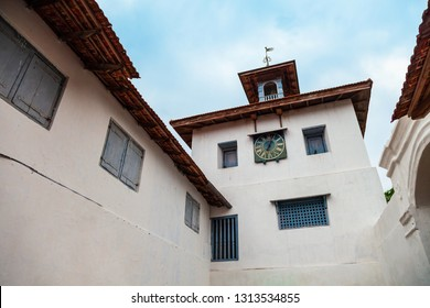 Paradesi Synagogue is the oldest active located in in Fort Kochi in Cochin city, India