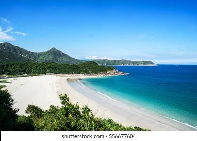 Paradise beach in Hong Kong / Ham Tin Wan