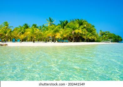 Paradise Beach on beautiful island South Water Caye