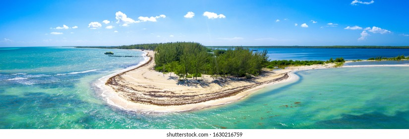 Paradise emerald green water color island in the caribbean Bacalar lagoon, Mexico