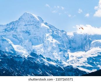 Paragliding in the Bernese Alps of Switzerland - Eiger, Mönch, Jungfrau