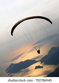 Paragliding in the sky aerial view ( Canon EOS 5D Mark IV + Canon EF 70-200MM F2.8L IS II USM Lens )
