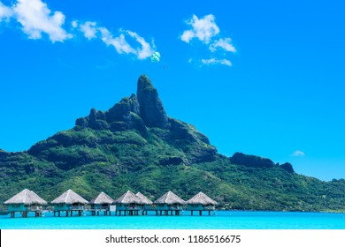 Parasail in Bora Bora, Tahiti