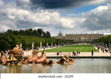 the parc of Versailles and castle