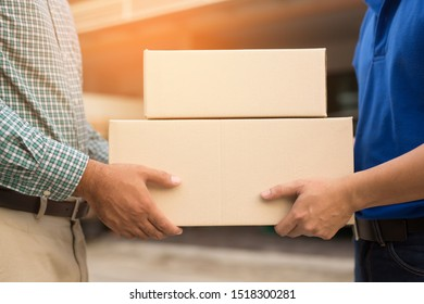 The parcel staff deliver the goods to the customer. Online product concept, business, transport, service