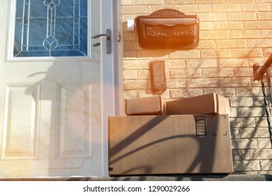 Parcels (boxes)  Delivery Outside the  Door