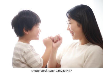 Parent and child to cut fingers